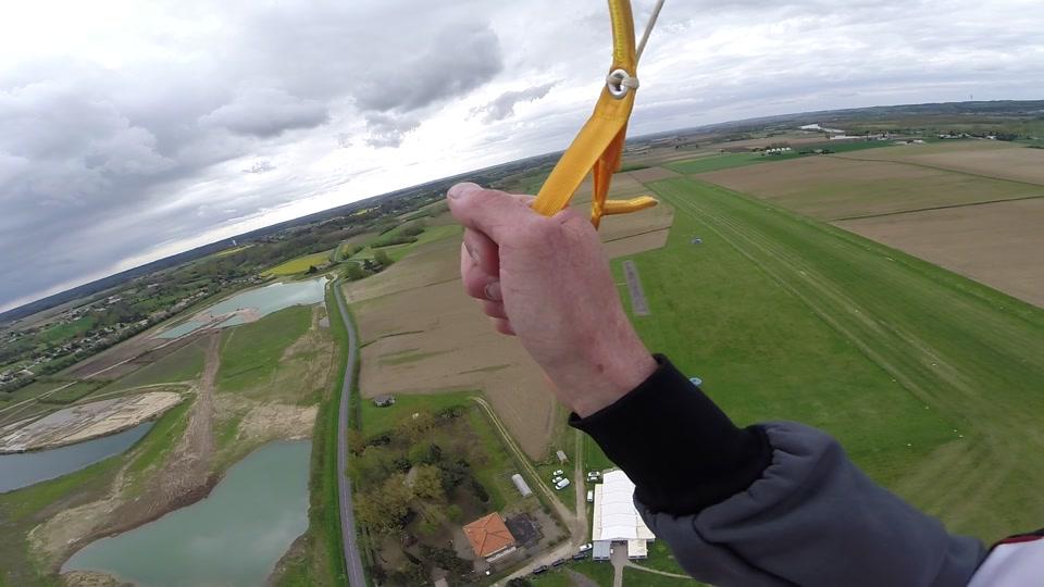 Saut en parachute (Hybride)